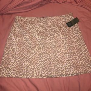 Wild Fable pink cheetah skirt